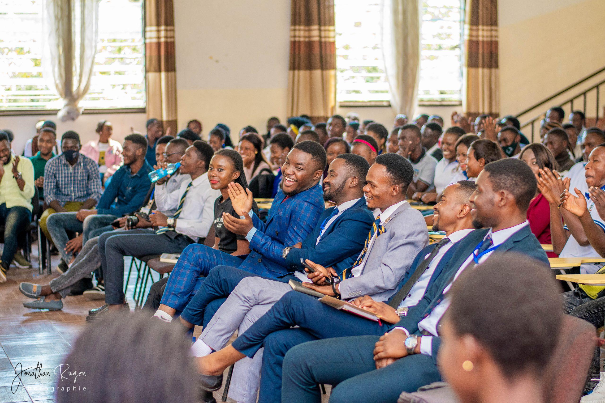 Remise officielle des bourses à 150 étudiants de l'ULPGL Goma